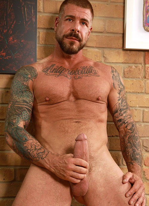 8mages naked hairy daddy speaking